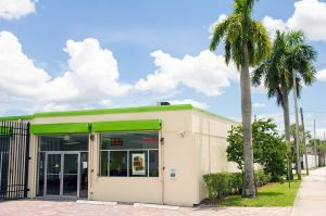 Storage Post Lauderdale Manors