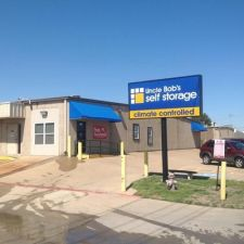 Uncle Bob's Self Storage - Arlington - Duncan Perry Rd