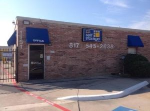 Uncle Bob's Self Storage - Euless