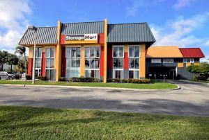 StorageMart - Griffin Rd & I-95