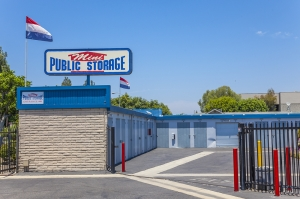 Mini Public Storage - Stanton Self Storage - Photo 9