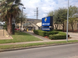 Image of Life Storage - Houston - Wilcrest Drive Facility at 2010 Wilcrest Drive  Houston, TX