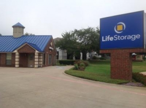 Life Storage - Fort Worth - Bryant Irvin Road