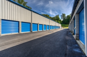 Image of CubeSmart Self Storage - Yorktown Heights Facility on 3277 Crompond Rd  in Yorktown Heights, NY - View 3
