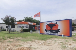 Macho Self Storage - Colleyville