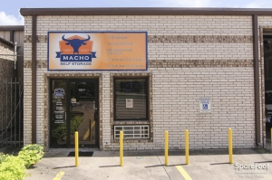 Macho Self Storage - Red Oak
