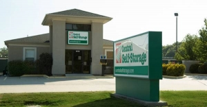 Central Self Storage - Knobtown Facility at  13824 Blue Pky, Kansas City, MO