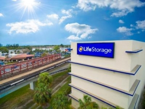 Life Storage - Miami - Southwest 81st Terrace