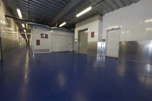 I-5 Self Storage - Photo 9