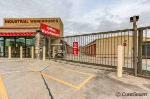 CubeSmart Self Storage - Pearland - 1919 E Broadway St - Photo 4
