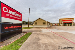 CubeSmart Self Storage - Pearland - 1919 E Broadway St - Photo 1
