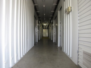Guaranty Self Storage - Chantilly - Photo 2