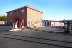 SecurCare Self Storage - Fayetteville - Rim Rd - Photo 2