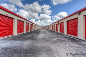CubeSmart Self Storage - Leisure City - Photo 2