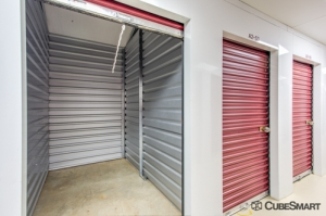 CubeSmart Self Storage - Somerset - 1100 Easton Ave - Photo 5