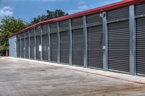 Lockaway Storage - DeZavala - Thumbnail 4