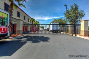 CubeSmart Self Storage - Orlando - 10425 S John Young Pkwy - Photo 4