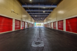 CubeSmart Self Storage - Orlando - 10425 S John Young Pkwy - Photo 6