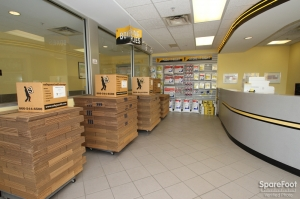 Safeguard Self Storage - Arlington Hts - Algonquin Road - Photo 11