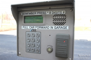 Safeguard Self Storage - Darien - Photo 4