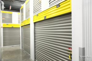 Safeguard Self Storage - Bronx - Wakefield - Photo 14