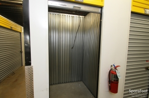 Safeguard Self Storage - Bridgeview - Photo 17