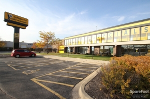 Safeguard Self Storage - Des Plaines Facility at  2020 Mannheim Road, Des Plaines, IL
