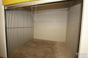 Safeguard Self Storage - Des Plaines - Photo 15