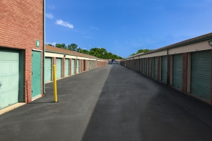 Simply Self Storage - Indianapolis, IN - Beachway Dr - Photo 2