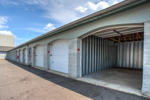 Image of Simply Self Storage - 2025 N Hicks Road - Palatine Facility on 2025 N Hicks Rd  in Palatine, IL - View 4