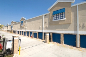 Price Self Storage National Boulevard - Photo 5