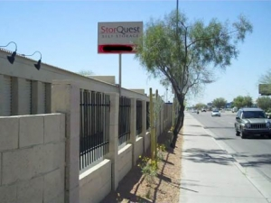 StorQuest - Phoenix/Bell - Photo 5