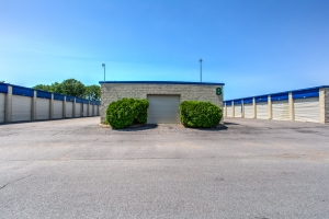 Simply Self Storage - Eagan - Photo 5