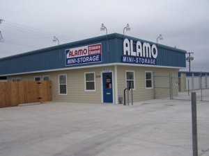 Alamo Hutto Mini-Storage