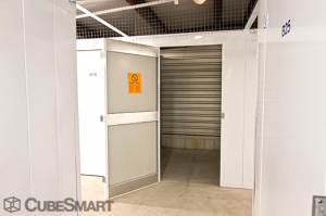 CubeSmart Self Storage - Rockford - 4548 American Rd - Photo 4