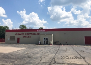 Image of CubeSmart Self Storage - Rockford - 3015 N Main St Facility on 3015 N Main St  in Rockford, IL - View 2