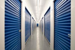 Fake Storage Facility4