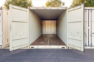 Image of Storage Outlet - Bellflower Facility on 10326 Foster Road  in Bellflower, CA - View 4