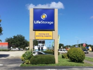 Life Storage - Bradenton - Photo 2