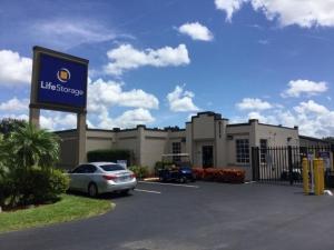 Life Storage - Fort Myers - Cleveland Avenue Facility at  3111 Cleveland Ave, Fort Myers, FL