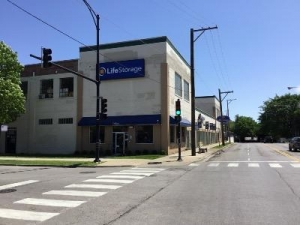 Life Storage - Chicago - North Austin Avenue - Photo 1