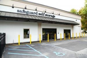 Safeguard Self Storage - Thornwood - Broadway