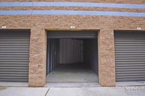 Handy Self Storage - Photo 6