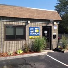Uncle Bob's Self Storage - East Providence - Narragansett Park Drive