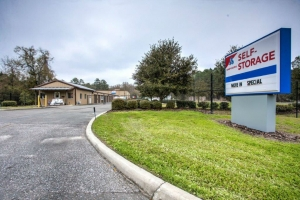 Devon Self Storage - Gainesville