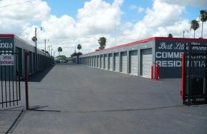 The Best Little Warehouse In Texas La Feria