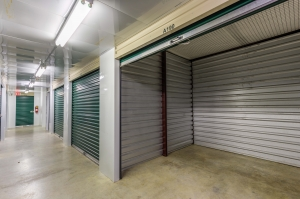 Devon Self Storage - Loy Lake - Photo 7