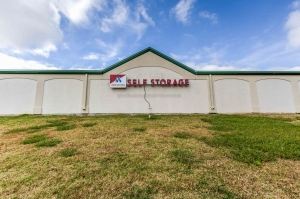 Devon Self Storage - Loy Lake - Photo 9