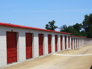 Image of Devon Self Storage - 6390 Winchester Facility on 6390 Winchester Road  in Memphis, TN - View 2