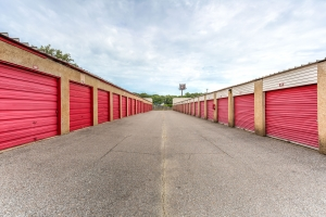 Image of Devon Self Storage - Getwell Facility on 3577 New Getwell Road  in Memphis, TN - View 4